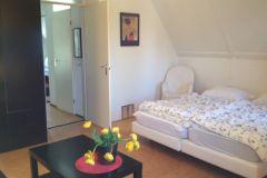 grosses-schlafzimmer-im-1-stock